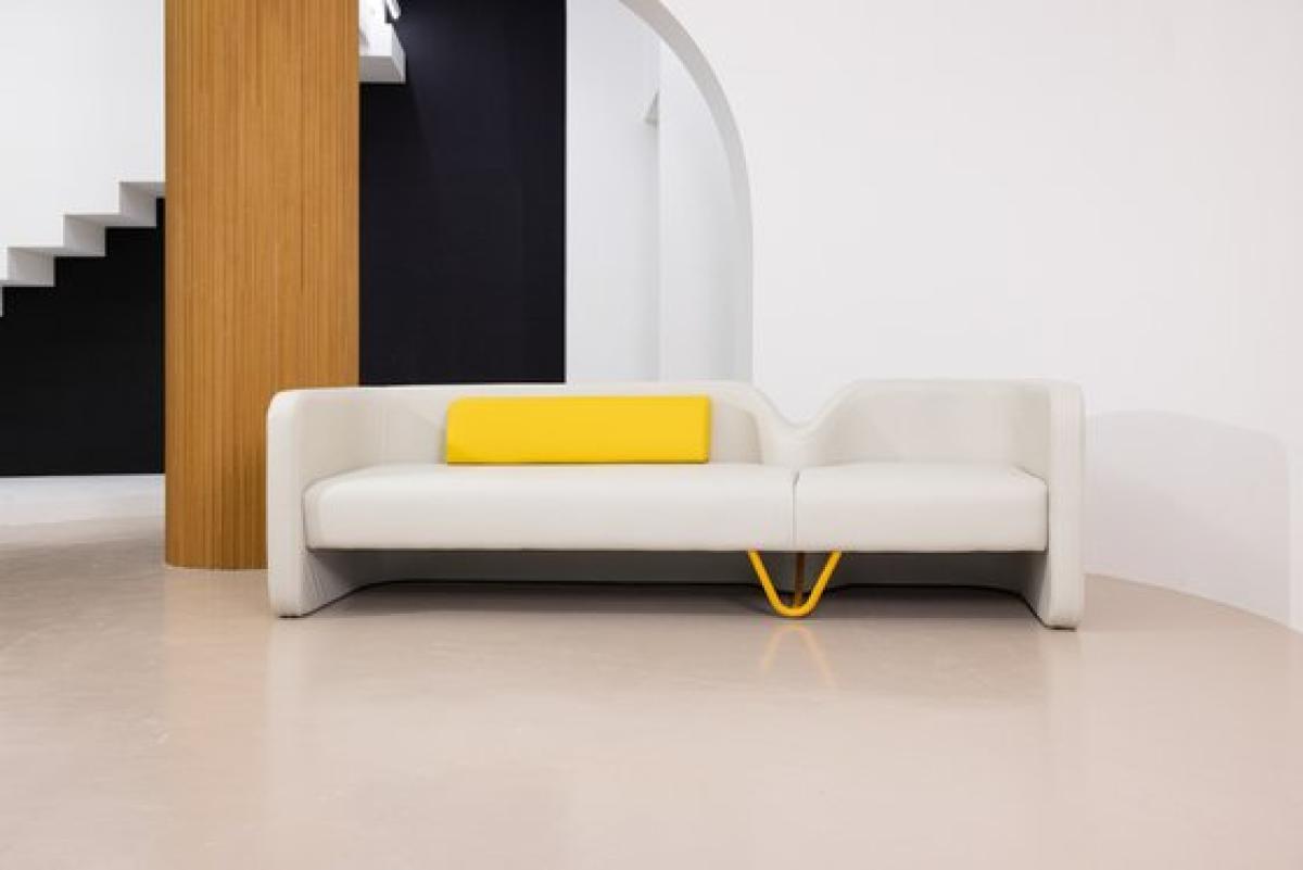 Penson Design과 소파제작 장인 와이즈뷰티가 협업해 만든 '동대문 소파'.